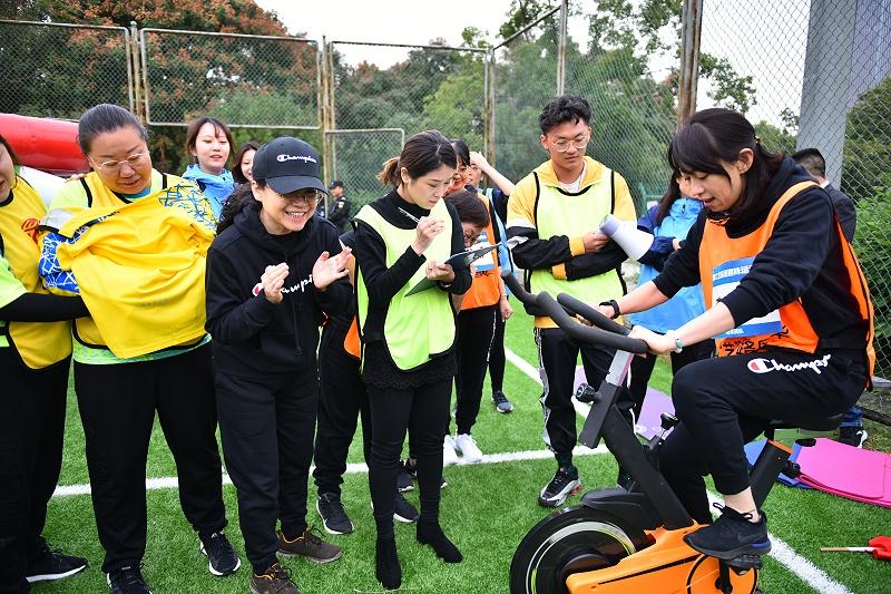 中国工艺集团趣味运动会 动感单车